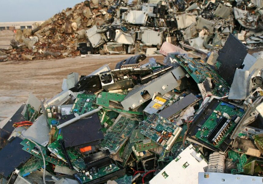 """""""Computer, scrap metal and iron dump, please see also my other images of computer dump and metal and iron in my lightbox:"""""""